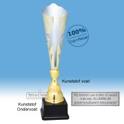 TC044.73MT - Zilverkleurige trofee met gouden accenten en ster in kelk (in 3 hoogten van ± 45 t/m 49 cm - Prijs vanaf € 23,95 t/m € 28,95)