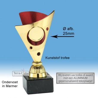 TC326.06SET - Goudkleurige trofee met rode accenten incl. afbeelding op open kelk (leverbaar in 3 hoogten ± 15-17 cm)