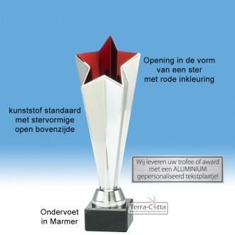 TC414.11ET - Zilverkleurige trofee met open kelk in stervorm met rode binnenzijde (leverbaar in 3 hoogten ± 23-25 cm hoog)