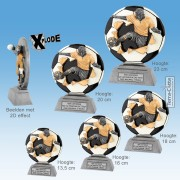 "TC1010FG - Resin Standaard VOETBAL ""Xplode"" (13-23cm hoog)"